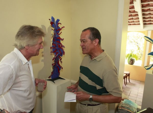 Explaining one of his Myriapods to Frits Goedgedrag, governor of the Dutch Antilles.